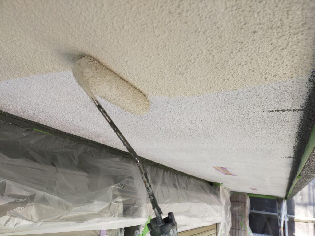 軒天塗装は技術がいる